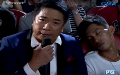 WATCH: Willie Revillame surprises sleeping studio audience with cash, phone