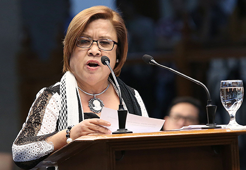 De Lima lambasts Duterte for threats to bring up her alleged sex scandal