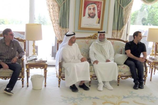 President Khalifa receives UAE officials