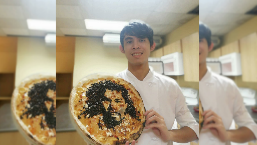 LOOK: OFW bakes 'Pacquiao pizza' to show his support for Pacman