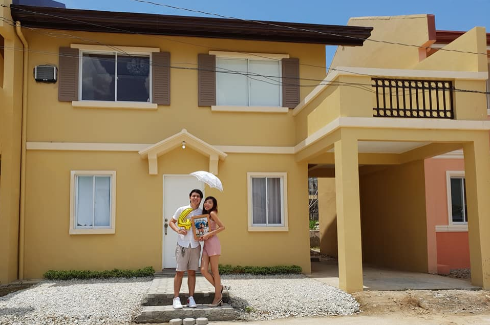 Pinoy couple avoided splurging on dates to buy this expensive house