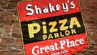 Photo of Shakey's signature mojos, thin crust pizza come to Dubai