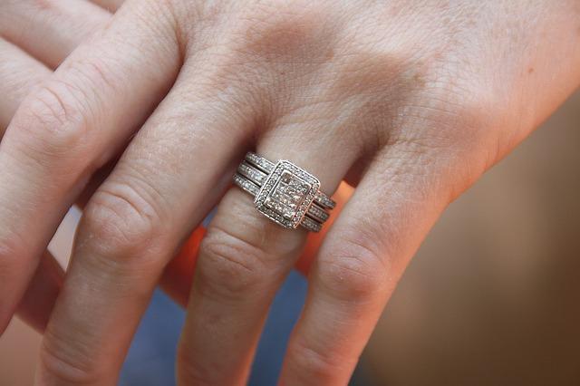 Dubai Police return lost diamond ring worth Dh550,000