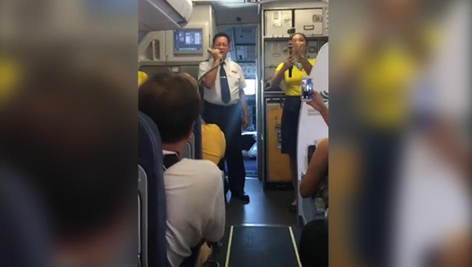 VIRAL: Emotional Cebu Pacific pilot announces his last flight before retirement