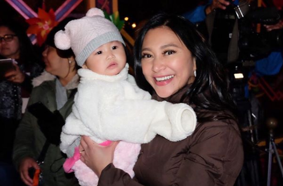 WATCH: Here's what Rufa Mae Quinto's daughter did when their flight got delayed
