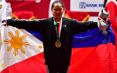 Weightlifter Hidilyn Diaz bags 1st gold medal for PH in Asian Games