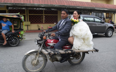 """VIRAL: Newlywed spotted on board """"bridal motorcycle"""""""