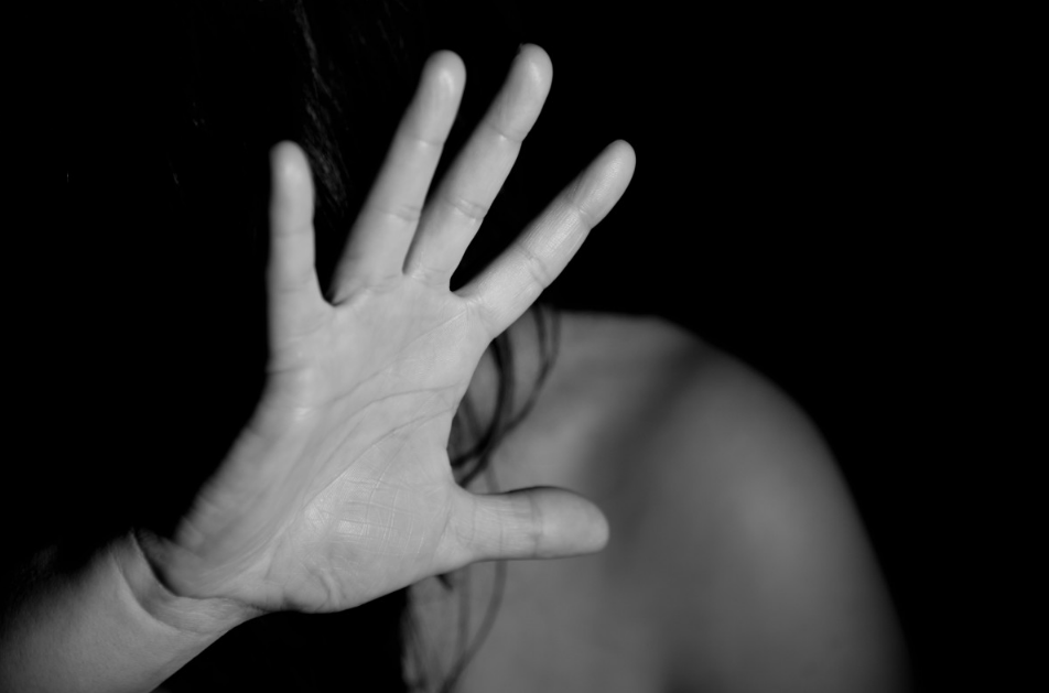 Sharjah husband bites and hits wife after cheating on her