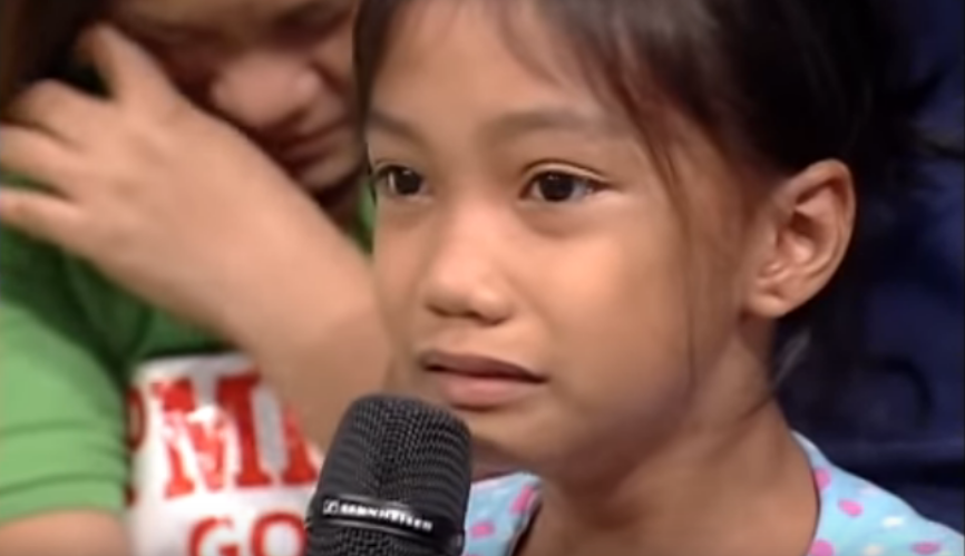 """WATCH: Child's request to OFW mother: """"Mama, wag ka na umalis"""""""