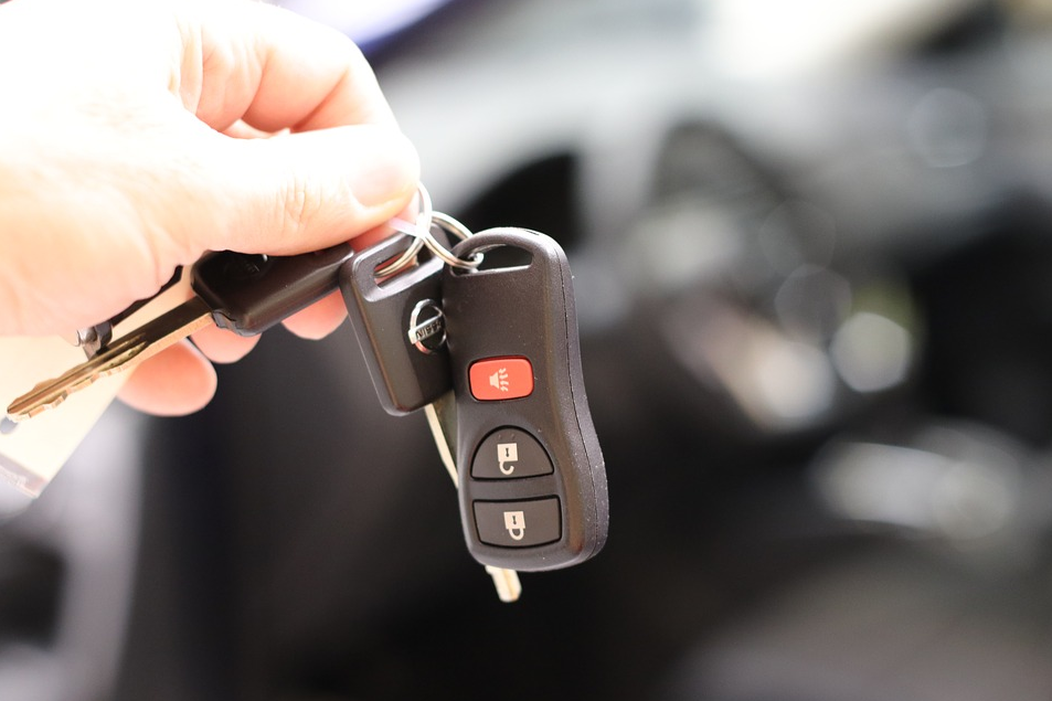 Abu Dhabi Police: Vehicle ownership transfer can be done online