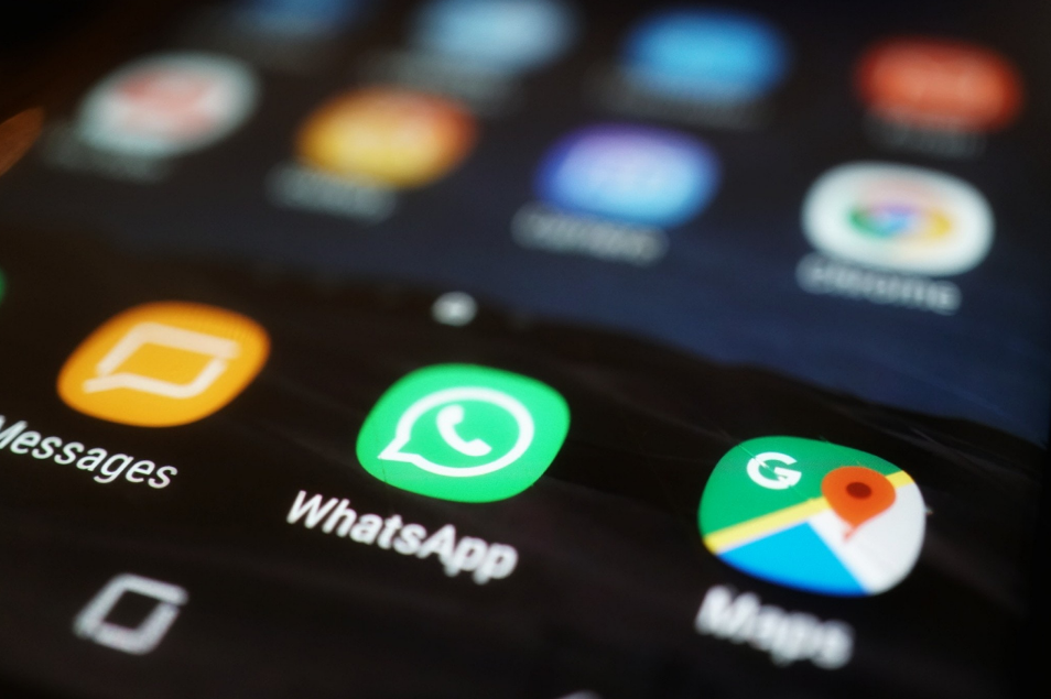 WhatsApp plans to add dark mode, extra features
