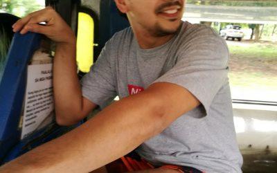 John Lloyd Cruz embraces simpler life, rides public jeepney in Quezon City