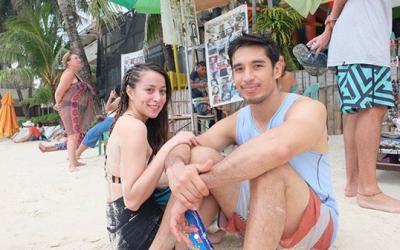 Cristine Reyes removes husband's surname on social media