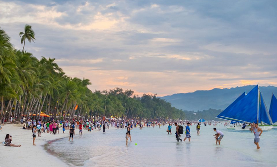 Tourist Advisory: Boracay now requires proof of confirmed hotels and bookings