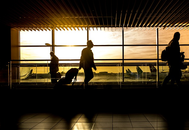 KNOW THE LAW: Never take photos of planes at UAE airports