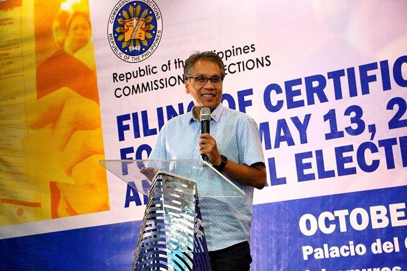 """Di pa tapos ang trabaho,"" says Mar Roxas as he files COC for Senate comeback"