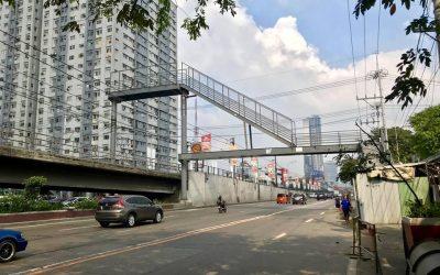 VIRAL: Tall footbridge along EDSA stirs up netizens