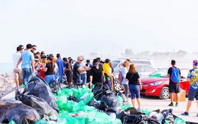 Alpha Phi Omega does a beach clean-up