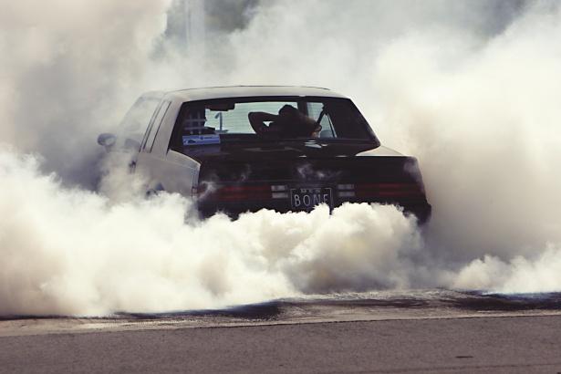 Sharjah Police save man trapped inside burning car