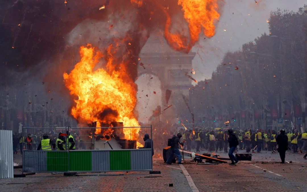 WATCH: 133 Parisians injured, 412 arrested in nationwide protest against painful price hike