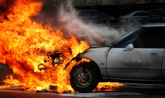 Man to spend 2 years in jail, pay Dh1.2 million for setting 9 cars ablaze