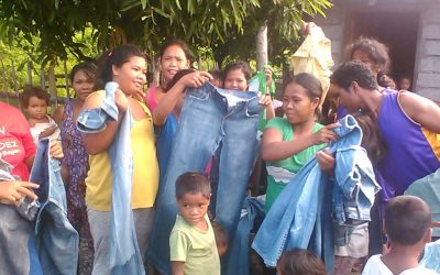 Teacher-turned-OFW sends boxes of used clothes to tribal community in PH