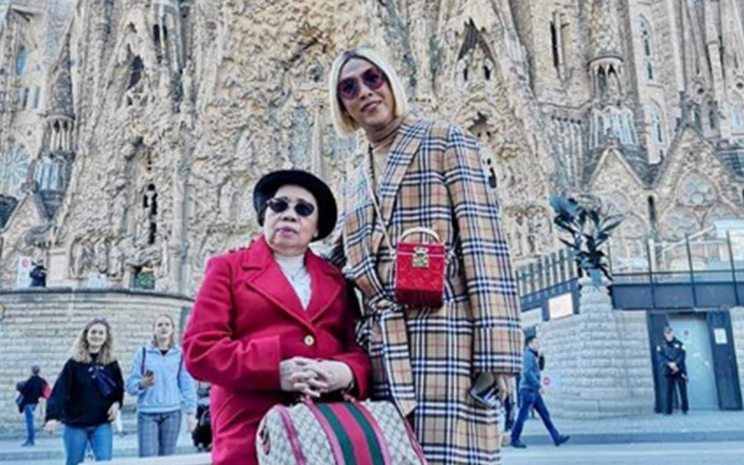 "Vice Ganda says granting his mom's wish is his ""biggest achievement"""