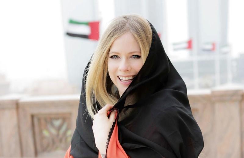 Avril Lavigne's abaya-clad photos in UAE has got the Internet talking
