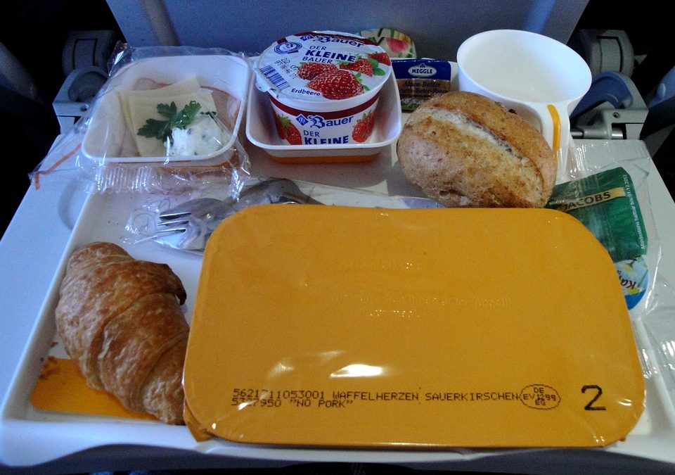"Airline suspends employees after ""stealing"" unserved airplane food"