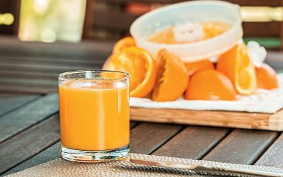 Woman nearly dies after injecting self with fruit juice