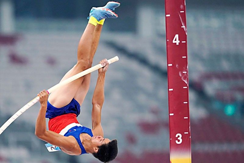 Pole vaulter vows to get gold