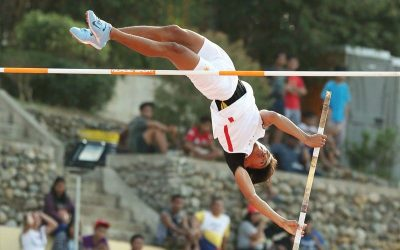 Ilagan pole vaulter shines at home court