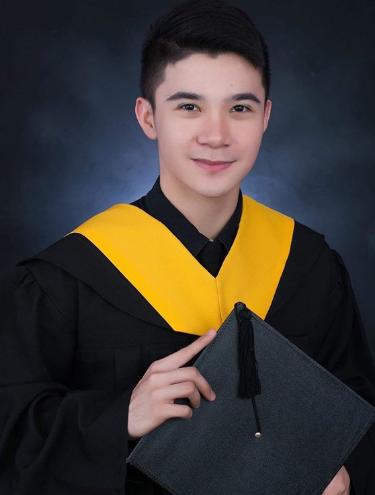 Young Kapuso actor graduates magna cum laude