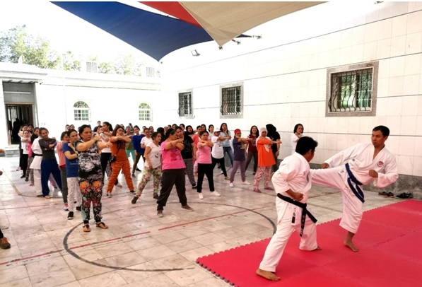 Female OFWs in Jeddah learn self-defense at Jeddah PCG