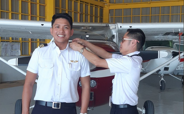Former GMA reporter Steve Dailisan now a licensed commercial pilot