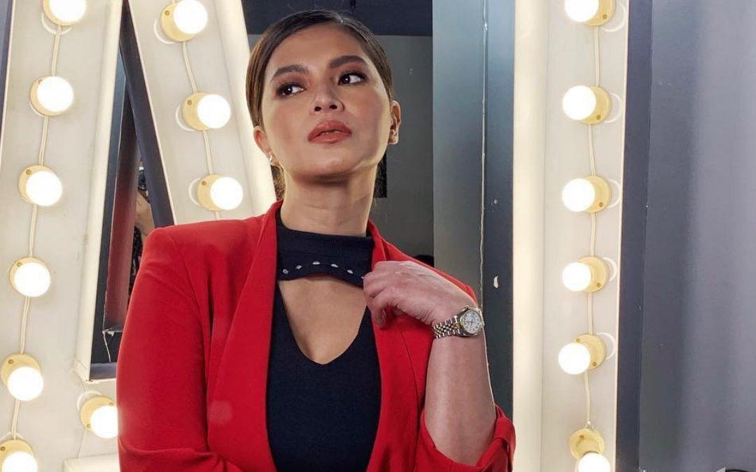 #DalagangPilipina Challenge: Who does it better?