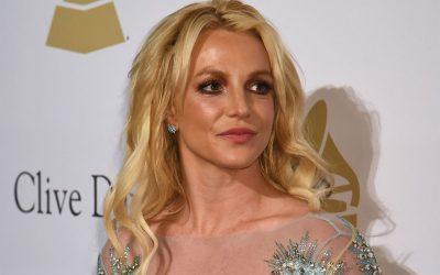 Britney Spears checks into mental hospital