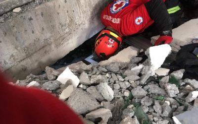 Rescue ops in earthquake-hit supermarket stopped due to strong aftershock
