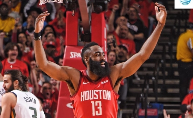 Rockets demolish Jazz, 122-90
