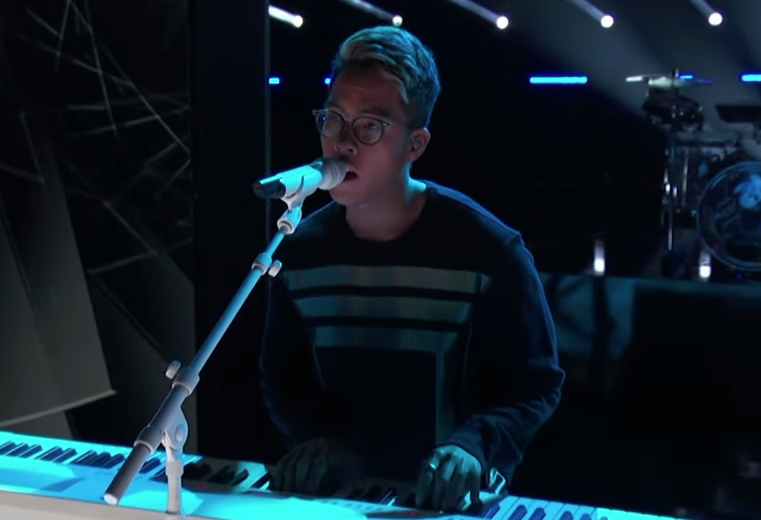 "Filipino singer booted out of ""The Voice US"""