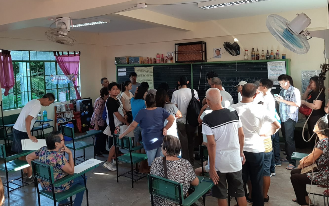 Voters complain about malfunctioning VCM in polling precinct