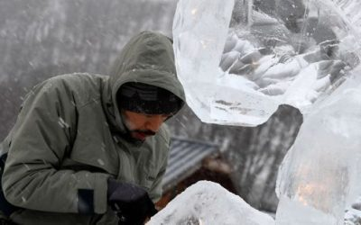 """Meet the Filipino artist who earned """"King of Ice Carving"""" title in France"""