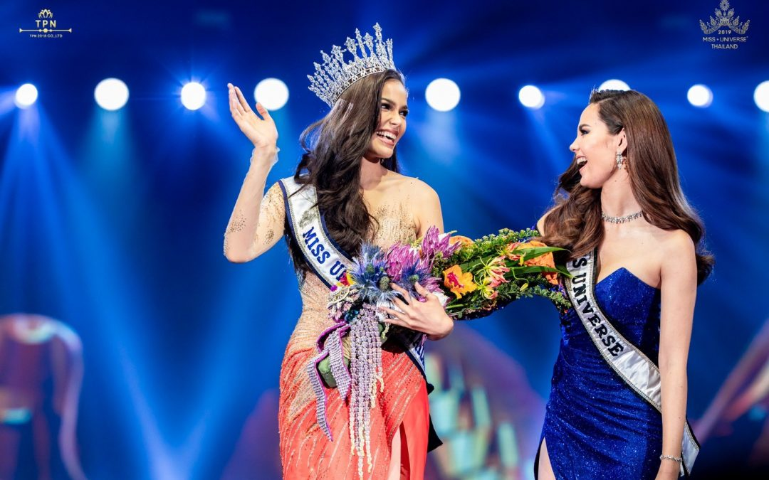 Miss Universe Catriona Gray crowns new Miss Universe Thailand