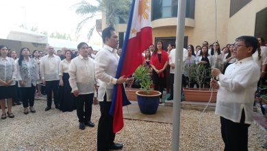 Photo of Cortes gives inspirational speech on Independence Day