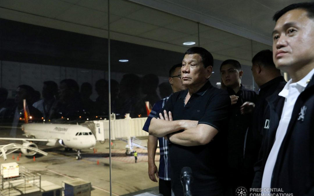 Duterte conducts surprise inspection at NAIA