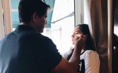 LOOK: Richard Gomez does Juliana's makeup