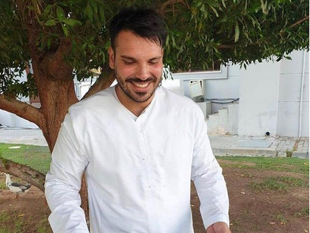 Abu Dhabi chef feeds stray animals with leftover food
