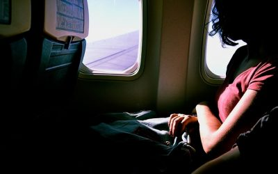 Irate netizen posts photo of woman with hair draped over the back of the plane seat