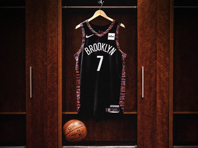 Durant officially joins Nets, changes jersey number to 7