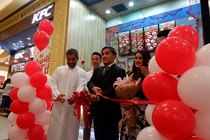 Third Razon's of Guagua in UAE now open; first day full-packed